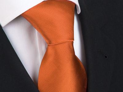 Handvernähte Krawatte aus Seide in uni orange