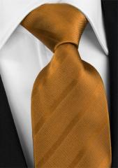 Handvernähte Krawatte aus Seide in mokkabraun, changierend gestreift
