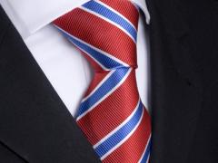 Handvernähte Krawatte aus Seide rot und blau weiss gestreift