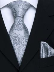 Exklusives seven fold Krawatten Set mit Einstecktuch aus Seide in silbernem Paisley