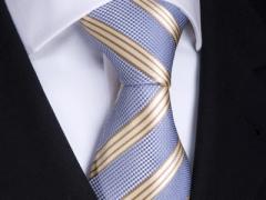 Handvernähte Krawatte aus Seide blau gold gestreift