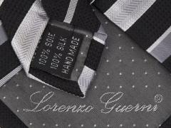 Handvernähte Krawatte aus Seide schwarz grau gestreift