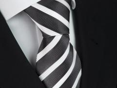 Handvernähte Krawatte aus Seide anthrazit und weiss gestreift