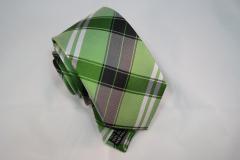 Handvernähte Krawatte aus Seide grün, weiss und schwarz gestreift