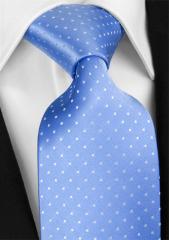 Handvernähte Krawatte aus Seide in hellblau, weiss getupft
