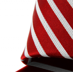 Handvernähte Krawatte aus Seide rot weiss gestreift