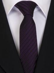 Handvernähte slim line Krawatte aus Seide schwarz flieder gestreift